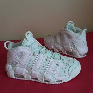 Nike Air More Uptempo Barely Grn Sz 8 WOMEN & 6.5Y